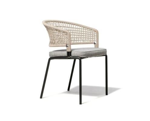 fauteuil_repas_ctr_de_tribu_wenge_et_lin