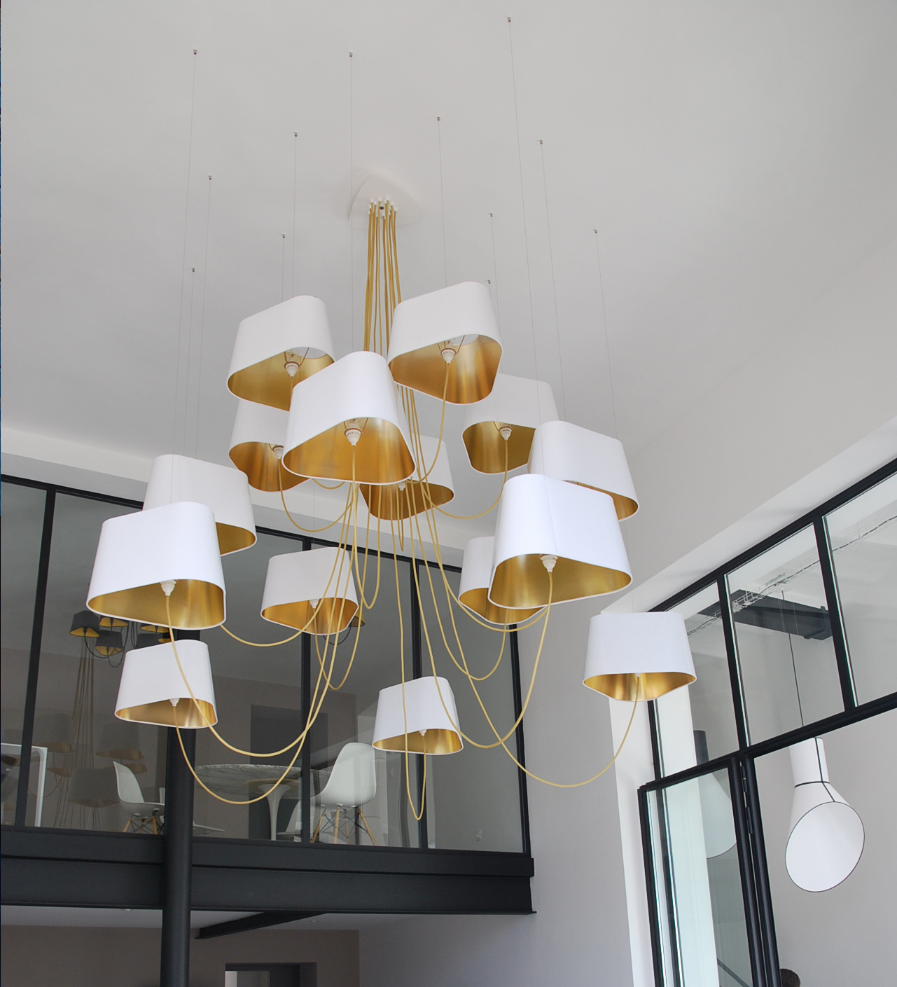 Lustre 15 Grand Nuage Blanc laqué or OFF 1