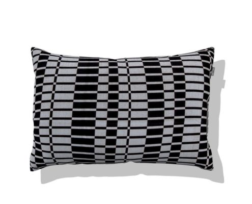cushion bl&wh