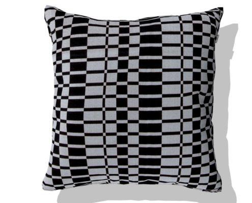 cushion deco bl&wh