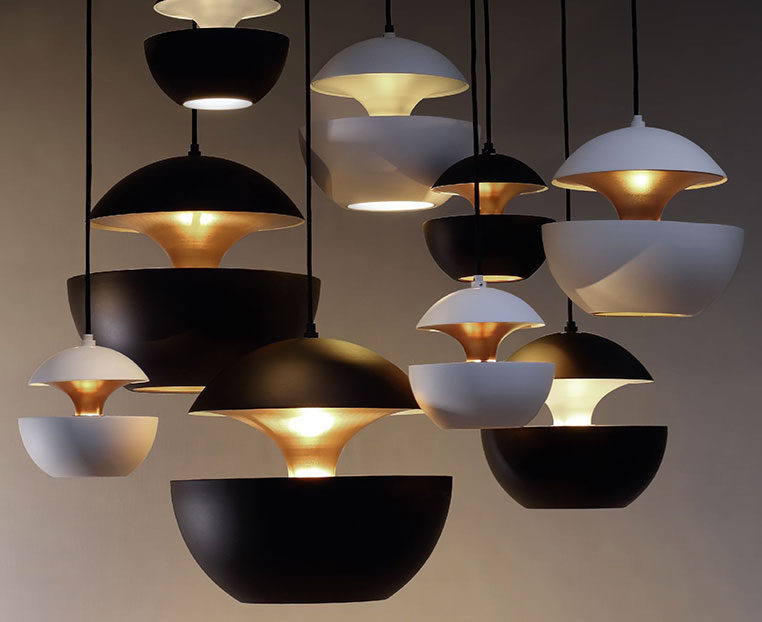 here-comes-the-sun-bl-wh-dcw-lampe-gras-f42