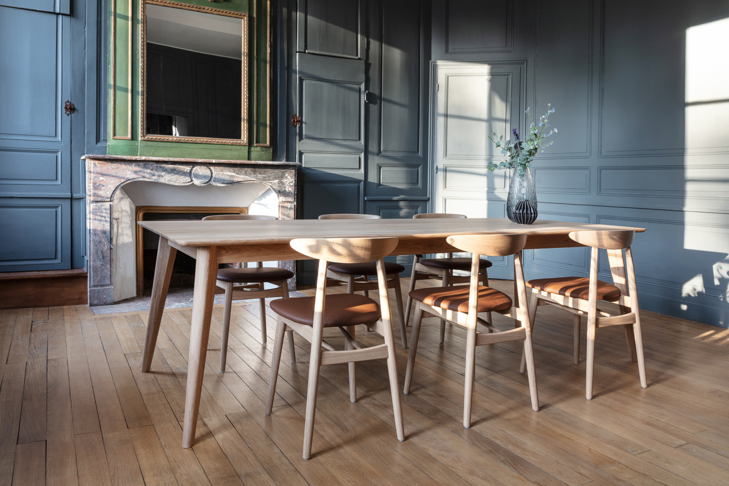 table de repas dan-teo-dining-chair-upholstered-dan
