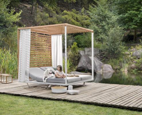 pavilion daybed