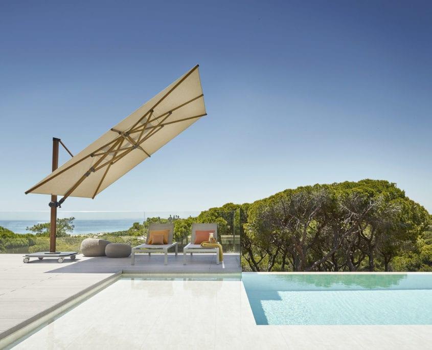 parasol déporté résistant au vent